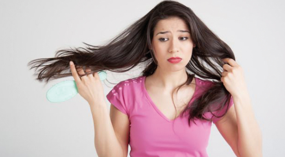 7 Ways to Reduce Hair Loss for Women