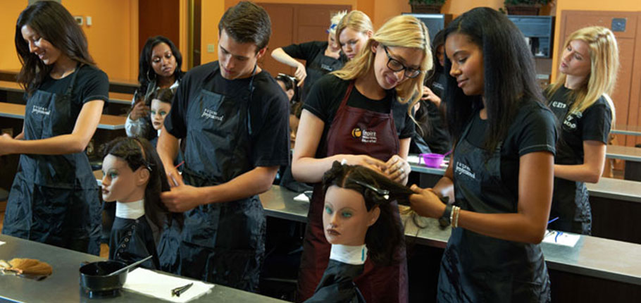 Top Tips to Becoming A Cosmetologist